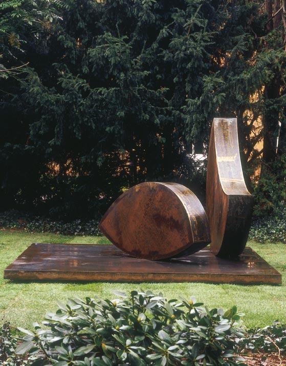 Skulptur: Position im Schwerpunkt von Wolfgang Nestler (1)