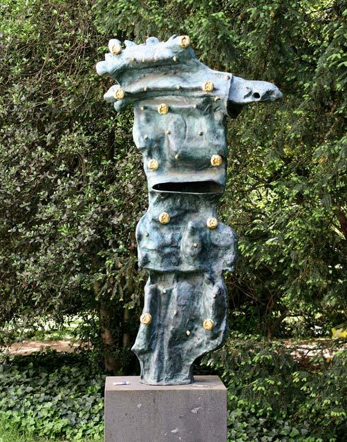 Skulptur Chaosmos von Roberto Matta