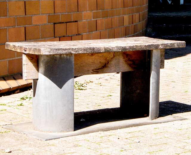 Skulptur: Metallbänke von Erwin Heerich (3)