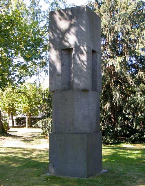 Skulptur Monument von Erwin Heerich