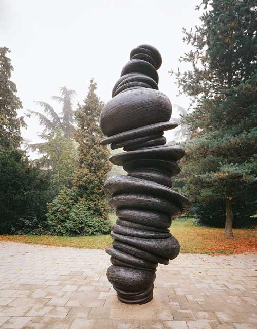 Skulptur: Wirbelsäule von Anthony Cragg (3)